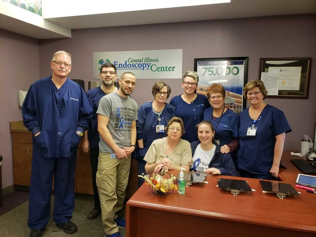 doctors and staff of Central Illinois Endoscopy Center smiling for a photo
